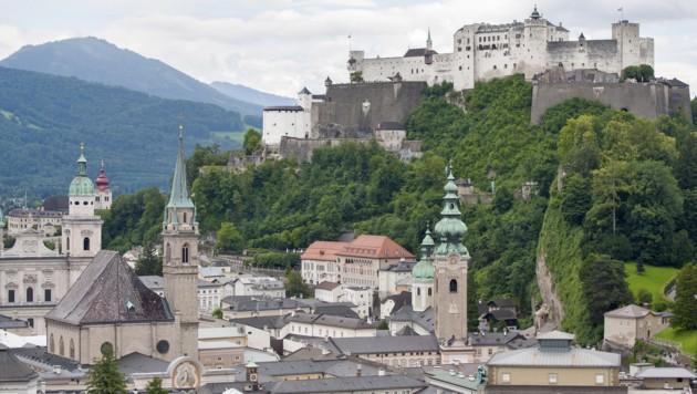 Die Opfer spazierten durch die Stadt Salzburg (Bild: stock.adobe.com)