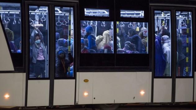 Erstmals Flüchtlinge direkt nach Italien geflogen