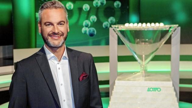 Thomas May als Lotto-Glücksengel (Bild: ORF)