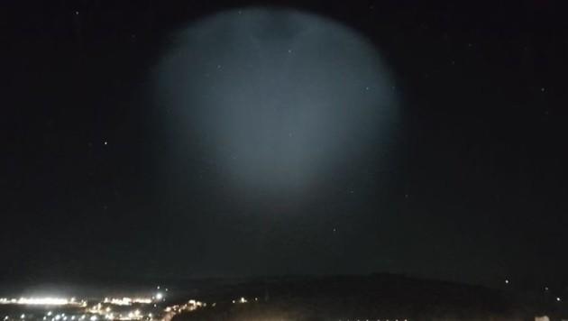 Das Lichtspektakel am Himmel über Rumänien (Bild: Facbeook.com)