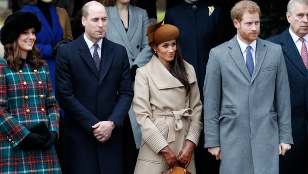 Meghan Markle mit Prinz Harry sowie Herzogin Kate und Prinz William bei der Weihnachtsmesse in Sandringham (Bild: AFP or licensors)