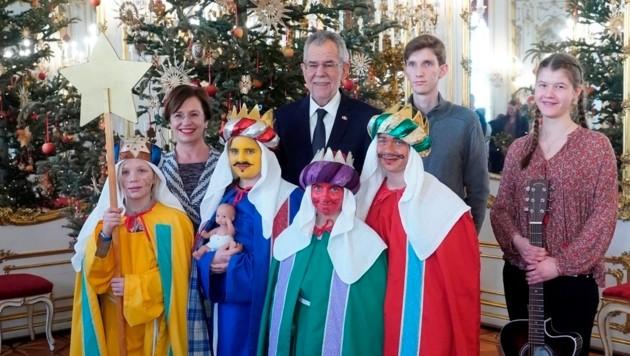 Diese Sternsinger aus Fernitz brachten Segen in die Wiener Hofburg