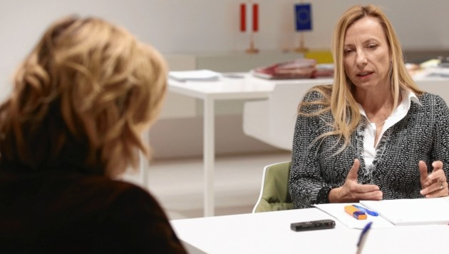 Conny Bischofberger im Gespräch mit Juliane Bogner-Strauß (Bild: Zwefo)