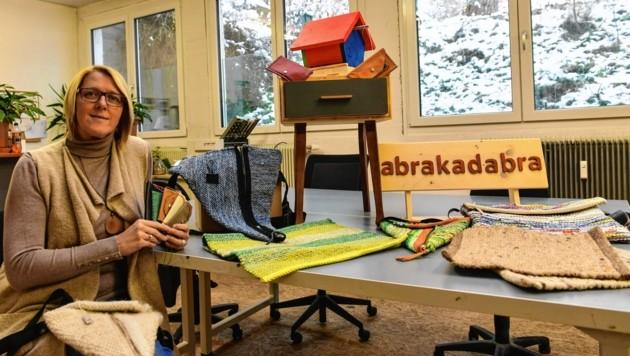 """Carmen Nagele leitet das """"Abrakadabra"""" seit 14 Jahren und ist stolz auf Mitarbeiter und Produkte. (Bild: LIEBL Daniel/zeitungsfoto.at)"""