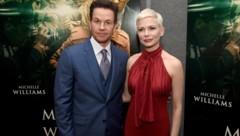 """Mark Wahlberg kassierte für den Nachdreh von """"Alles Geld der Welt"""" 1,7 Millionen Euro, Michelle Williams nur 670 Euro. (Bild: 2017 Getty Images)"""