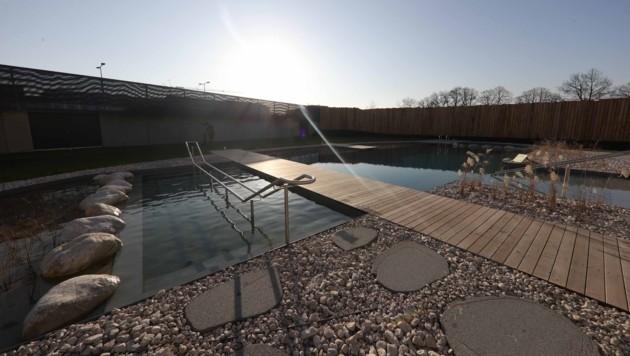 Das neue Freizeitbad in Ried wird Anfang Februar eröffnet - und soll plötzlich viel teurer sein.