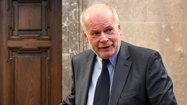 Anwalt Manfred Ainedter