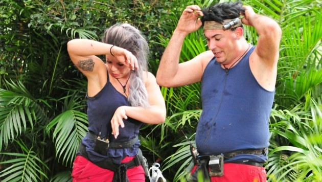 Jenny graust nach der Dschungelprüfung noch immer. (Bild: RTL)
