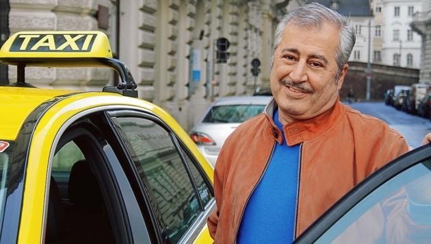 """Die Kollegen von Taxi 40100 sind sehr stolz auf """"ihren"""" Schutzengel Mostafa. (Bild: Taxi 40100)"""
