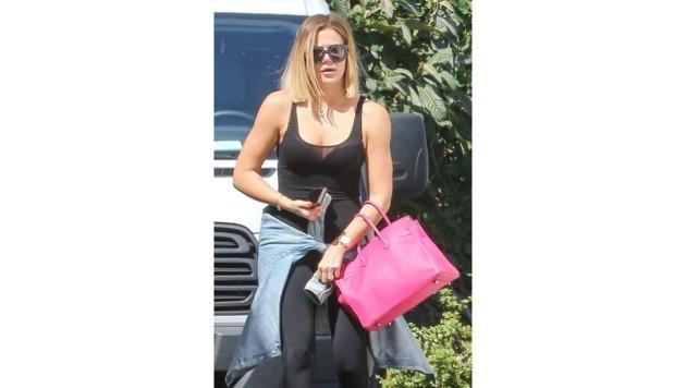Eine echte Mädchentasche ist die pinke Bag von Khloe Kardashian.
