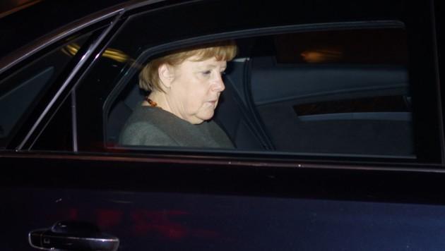 Kanzlerin und CDU-Chefin Angela Merkel nach der gescheiterten ersten Runde der Koalitionsgespräche (Bild: APA/dpa/Gregor Fischer)