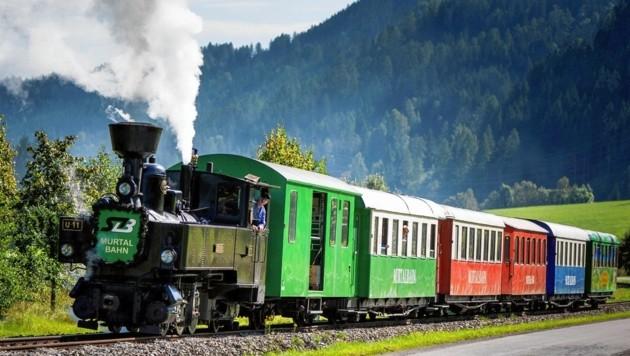 Normalerweise fahren moderne Triebwagen und Dieselloks auf der Murtalbahn, es gibt aber auch Nostalgiefahrten mit Dampfzügen.