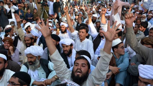 Pakistan weist zwei Millionen afghanische Flüchtlinge aus. (Bild: AFP)