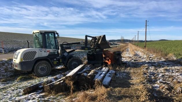 Seit Wochen wird am Abbau der ehemaligen Haager-Lies-Bahnstrecke gearbeitet. (Bild: Simone Waldl)