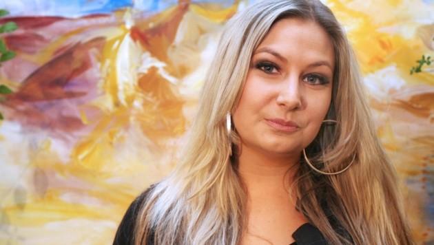"""Katharina Bianca Vitkovic bei der Präsentation ihres Buches """"Falco war mein Vater"""" 2008 in Wien"""