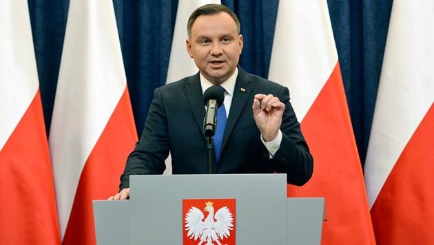 """Präsident Andrzej Duda pocht auf das Recht der Polen, sich """"vor falschen Unterstellungen zu schützen"""". (Bild: AP)"""
