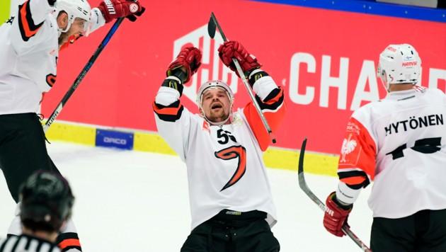 Jyvaskyla's Janne Kolehmainen (55) feiert nach dem zweiten Tor (Bild: AP)