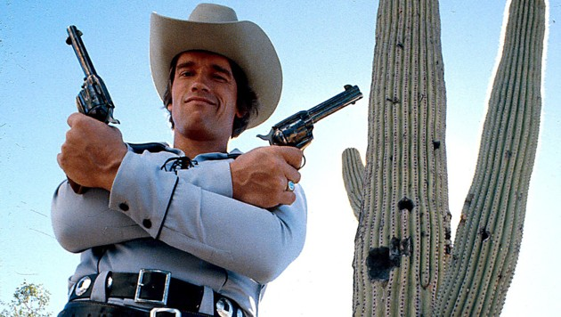 """Arnie in """"Kaktus Jack"""". In der Western-Komödie stand er 1979 mit Kirk Douglas vor der Kamera. (Bild: IMDb)"""