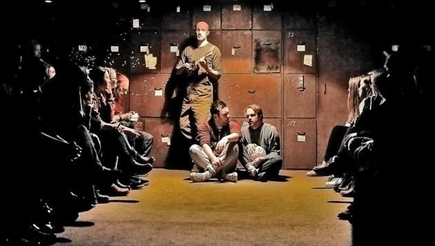 """Im """"Museum of Memories"""" bringt NIE Darsteller und Publikum in einem Erinnerungsraum zusammen. (Bild: Atelier Heide/fotonestroy.com)"""