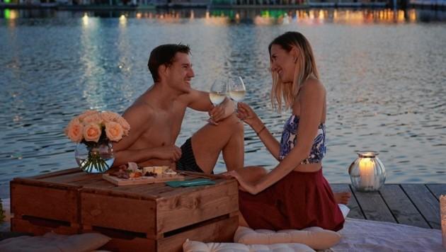 Emanuel Kaspar und Freundin Barbara selbst beim höchst romantischen Date an der Donau (Bild: diefotografin.at)