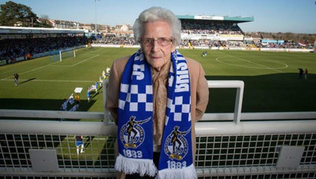 Kitty Thorne, Cumbrias ältester Fan (Bild: twitter)
