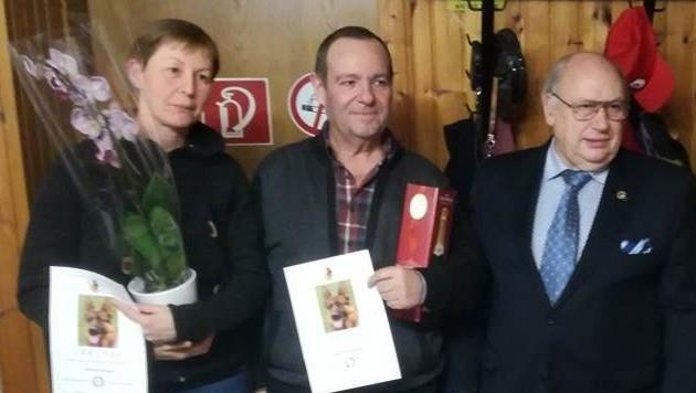 Gabriele S. (li.) ertrank am Wochenende beim Versuch, ihren Hund aus der Traun zu retten, Vereinskollege Josef Schallegruber (re.) ist fassungslos.