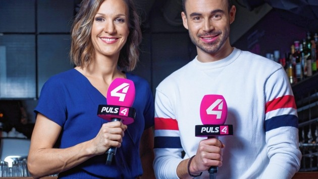 """Barbara Fleissner und Max Mayerhofer moderieren """"Café Puls – Das Magazin"""". (Bild: PULS 4)"""
