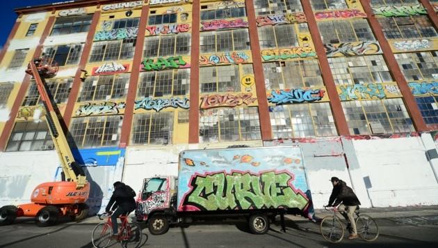 """""""5Pointz"""" im Stadtteil Queens war eine Pilgerstätte für Graffiti-Künstler und -Fans gewesen. (Bild: AFP)"""