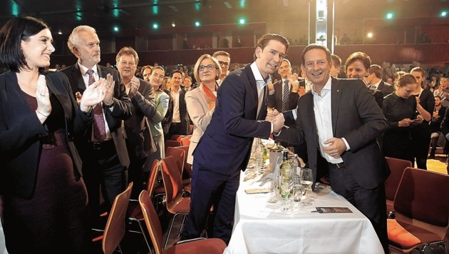 Elisabeth Köstinger, Josef Moser, Johanna Mikl-Leitner, Sebastian Kurz und Christian Benger (v.l.) (Bild: Rojsek-Wiedergut Uta)