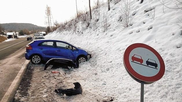 Der Unfall ging glimpflich aus. Die Klagenfurterin konnte sich beim Ersthelfer bedanken. (Bild: Patrick Rene Mioschek)