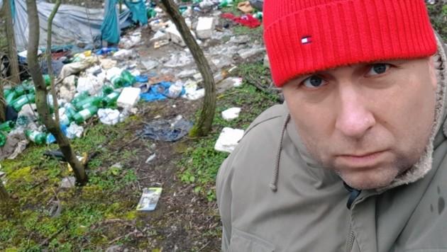 Dietmar Schwingenschrot stieß zufällig auf das Lager im Wald. (Bild: Dietmar Schwingenschrot)