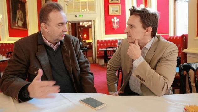 """Karl Habsburg im Gespräch mit """"Krone""""-Adabei Norman Schenz"""