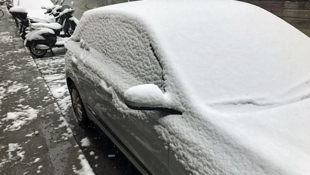 In Wien mussten Autofahrer Dienstagfrüh zum Schneebesen greifen.