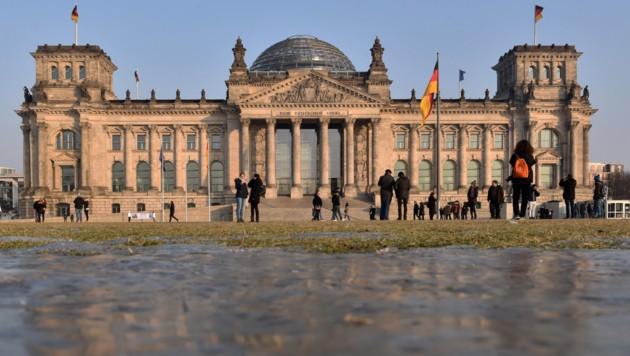 Der deutsche Bundestag wurde 2015 zum Ziel russischer Hacker. (Bild: APA/Ralf Hirschberger)
