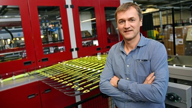 """Rund eine Million Paar Skier produziert Fischer derzeit pro Jahr. """"Das Wachstumsfeld sind Schuhe"""", sagt Geschäftsführer Franz Föttinger."""