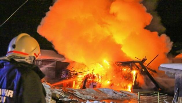 Der Stall brannte lichterloh.