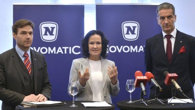 V. l.: Novomatic-Sprecher Bernhard Krumpel, Eva Glawischnig und der mittlerweile ehemalige Novomatic-Konzernchef Harald Neumann