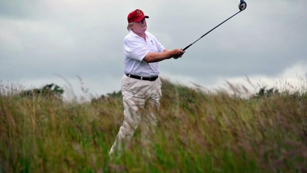 Donald Trump auf einem seiner Golfplätze (Bild: AFP)