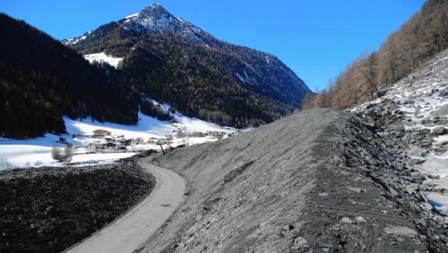 Nach dem Felssturz zu Weihnachten ist die Valser Straße nun seit Montag wieder frei.