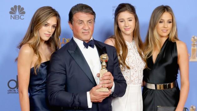Sylvester Stallone mit seinen Töchtern Sistine, Sophia und Scarlet