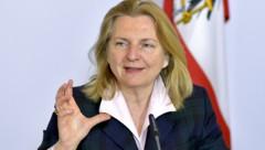 Außenministerin Karin Kneissl (Bild: APA/HERBERT NEUBAUER)