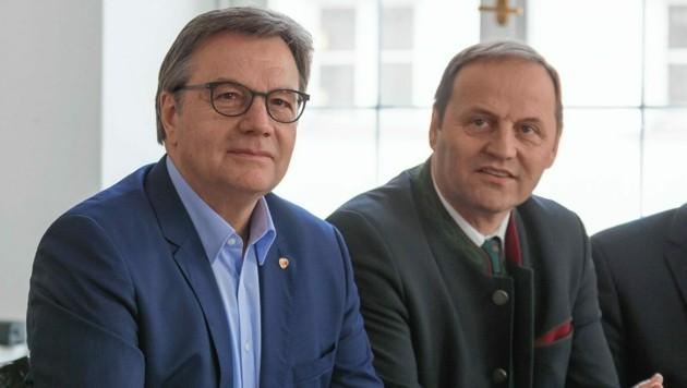 Günther Platter, rechts von ihm Josef Geisler (Bild: EXPA/APA/picturedesk.com)