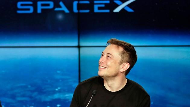 Wenn Elon Musk über seine Weltraumpläne spricht, spürt man den Enthusiasmus des Unternehmers. Er gerät immer wieder ins Schwärmen.