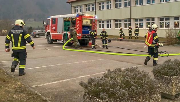 Im Hallenbad Molln, das zum örtlichen Schulzentrum gehört, ist Chlorgas ausgetreten. (Bild: FOTOKERSCHI.AT/KERSCHBAUMMAYR)
