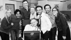 """Die Stars aus """"The Big Bang Theory"""" trauern um Stephen Hawking. (Bild: instagram.com/normancook)"""