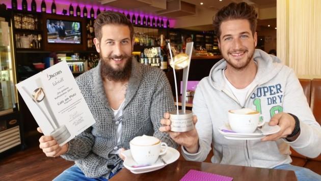 """Michael u. Thomas Jammer , Cafe Platzl , Neuer Platz , erhielten die """" Goldene Kaffeebohne"""""""