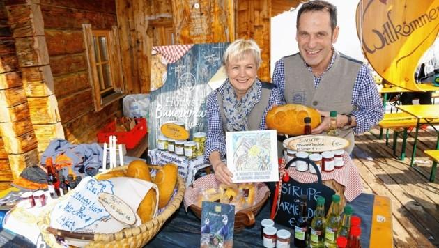 Gabi und Toni Bürgler von der Bürglalm. Beim höchtsgelegenen Bauernmarkt der Alpen verkauften sie Selbstgemachtes.