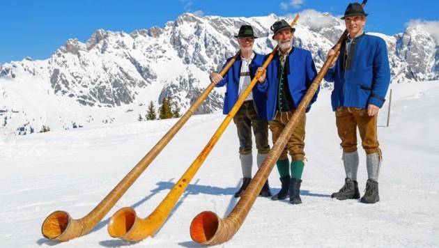 Hans-Jakob, Hans und Ludwig spielten bei der Bürglalm