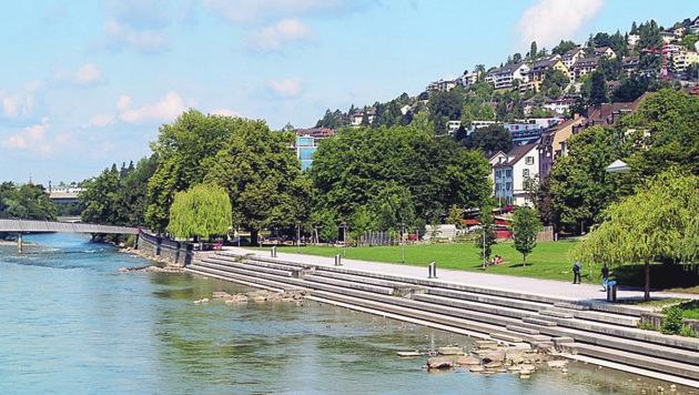 """""""Sitzstufen"""". wie hier in Zürich könnte sich zwar auch SP-Stadtchef Klaus Luger gut vorstellen, aber glaubt er, dass es an wasserrechtlichen Bewilligungen scheitern könnte."""