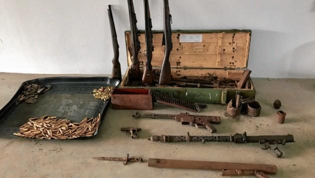 Der 28-Jährige aus Zeltweg hatte ein beträchtliches Waffen-Arsenal daheim.
